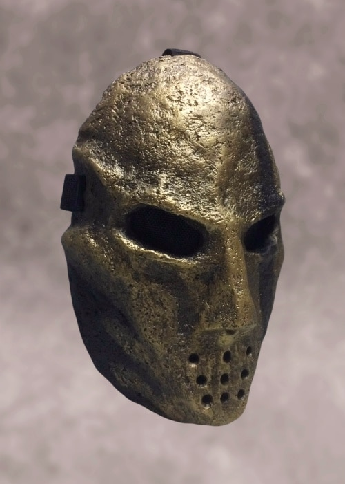 Right front view of mask.