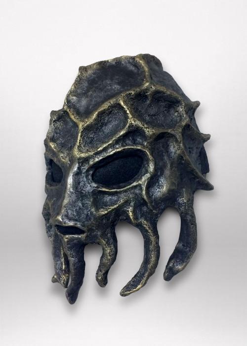 Left angle view of mask.